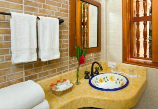 Hotel Casa del Curato: baño