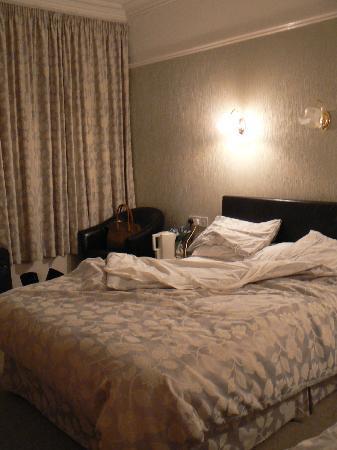 Gwrach Ynys: the room...