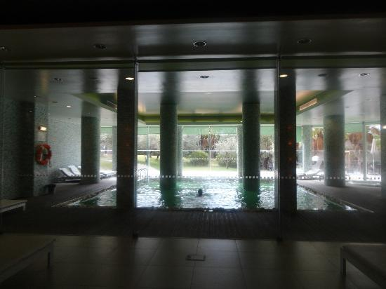Sao Rafael Suites: indoor heated pool