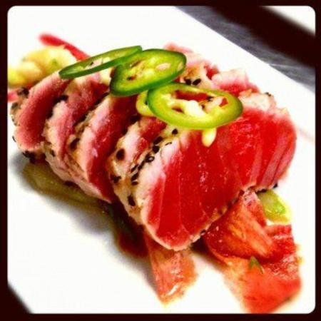 Muse Restaurant & Cafe: Seared Ahi Tuna special