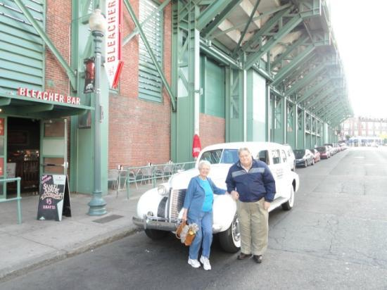 Antique Limousine - Boston Tours : A stop by Fenway Park and the Bleacher Bar.