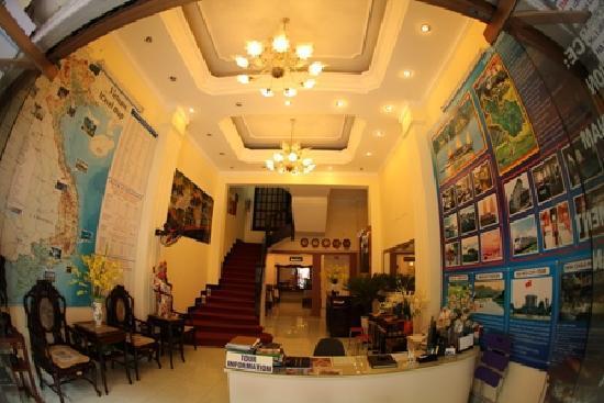 The Tourist Hotel: lobby