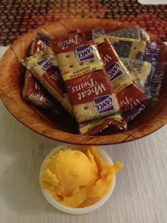 Yum Yum Tree: cheese & Crackers (DJ)