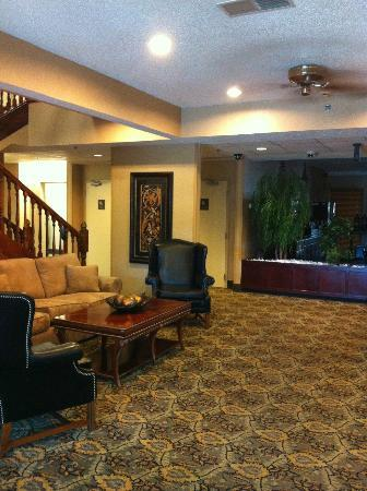 Quality Inn and Suites Benton – Draffenville: Lobby