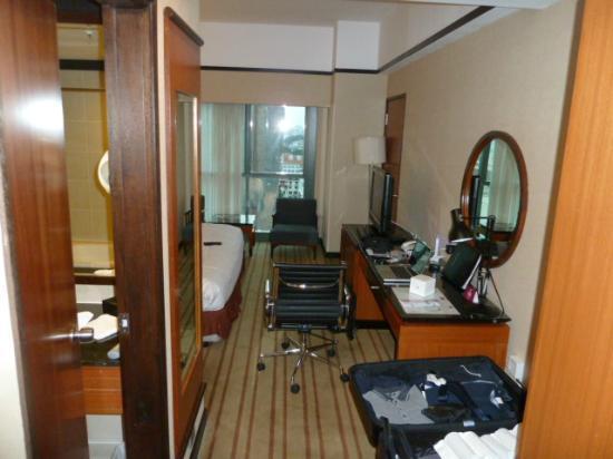 Grand Mercure Singapore Roxy: Der Blick in Zimmer