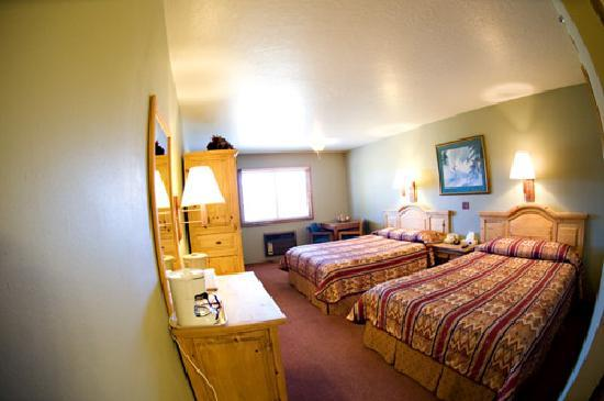 Summit Inn: Room