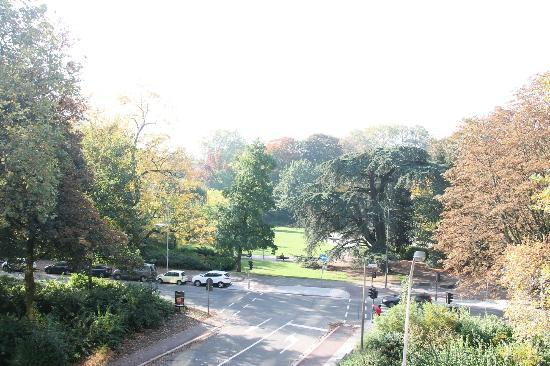 Leopold Hotel Antwerp: Park view from the room