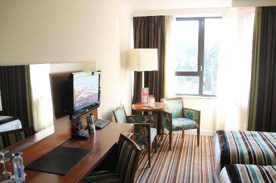 Leopold Hotel Antwerp: Working/sitting area