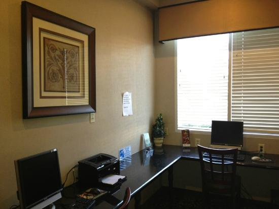 Baymont Inn & Suites Anaheim: Business Center