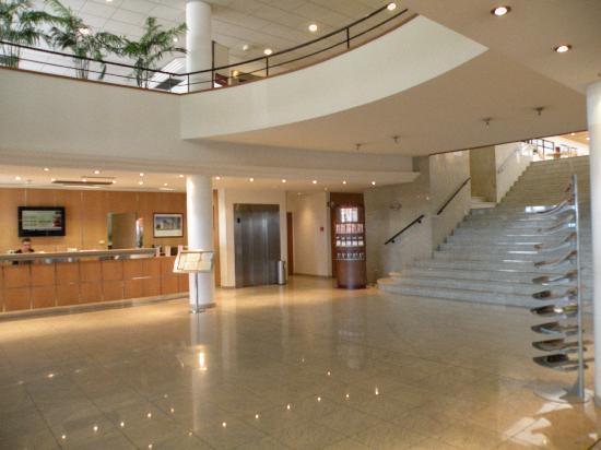 lobby picture of mercure blois centre tripadvisor. Black Bedroom Furniture Sets. Home Design Ideas