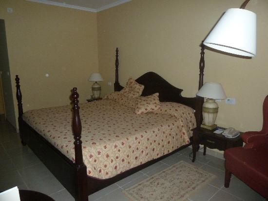 Iberostar Grand Hotel Trinidad: Cama cómoda y grande (standar room)