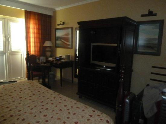 IBEROSTAR Grand Hotel Trinidad: Muebles lindos y nuevos (standar room)