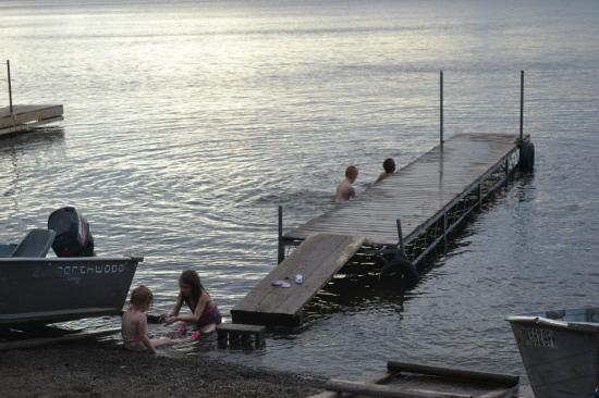 Gunflint Pines Resort & Campgrounds: swimming/dock area