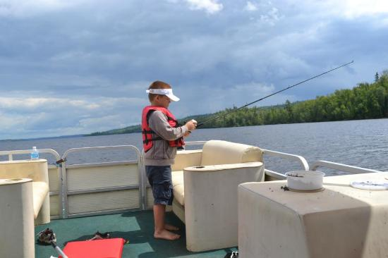 Gunflint Pines Resort & Campgrounds: 4 hr pontoon rental on Gunflint lake