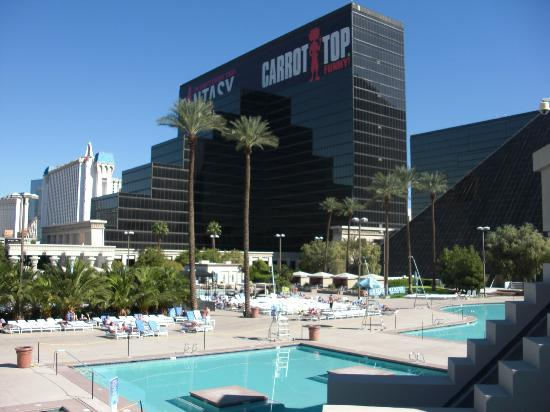 Location Of Luxor Hotel Las Vegas
