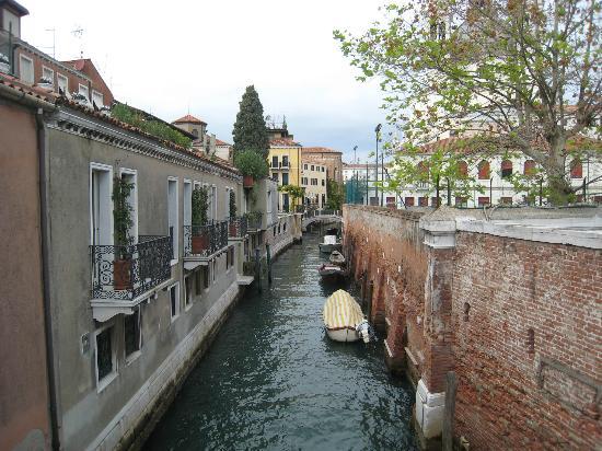 Dorsoduro: Pretty waterway
