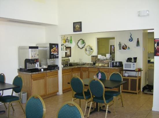 Ozark Valley Inn: Dining area for Breakfast