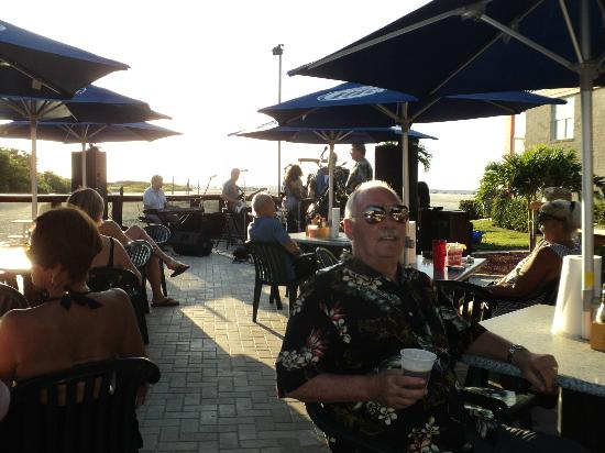 Wyndham Garden Fort Myers Beach: Sitting on the patio enjoying the band and a beverage.