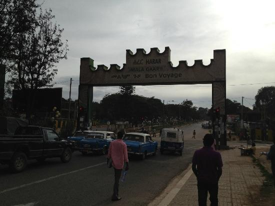 Harar Ras Hotel: In front of Hotel