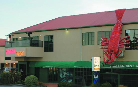 Lobster Inn Motor Lodge: Lobster Inn Tavern & Rumbar Restaurant