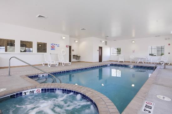 Sidney, MT: Pool