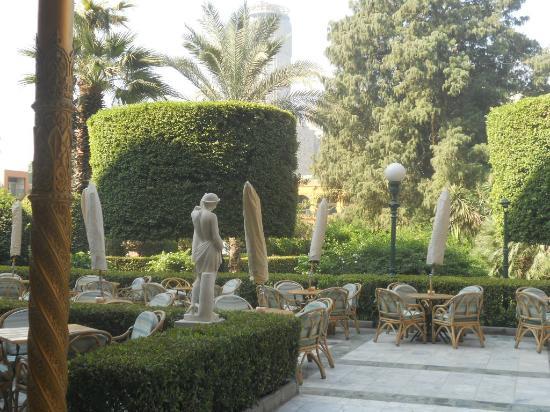 Cairo Marriott Hotel & Omar Khayyam Casino: Jardin