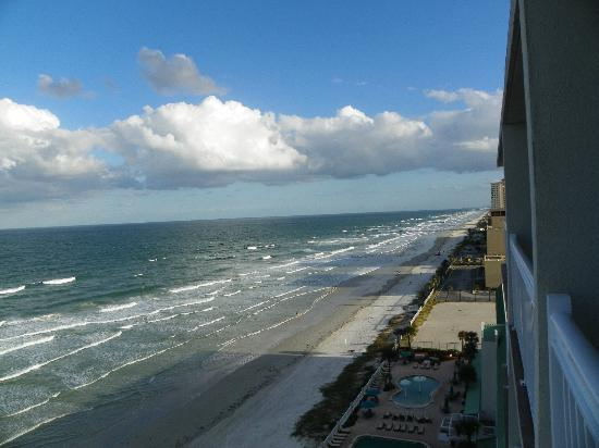 Daytona Beach Resort and Conference Center: Great 75f Day Tuesday