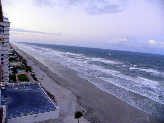 Daytona Beach Resort and Conference Center: North view Thursday