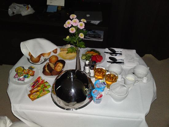 NH Bratislava Gate One: Breakfast, in our room on time :)