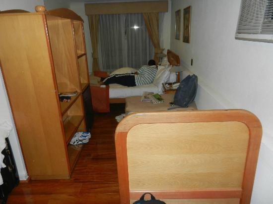 Presidente Hotel Santiago: room for 3 people