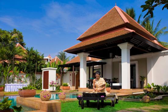 Banyan Tree Phuket: Spa Pool Villa Wedding Setup