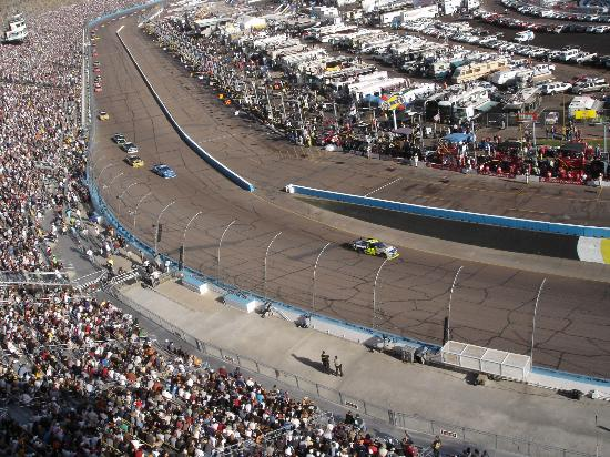 Phoenix International Raceway: #48 in the lead!! Go Jimmie