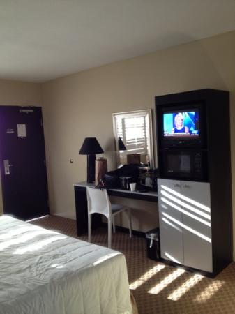 Sole Inn and Suites: modern furnishings