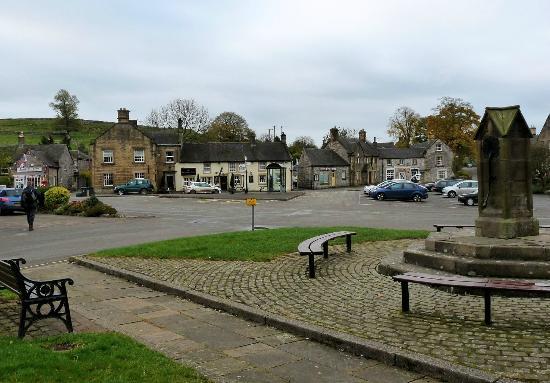 Hartington Hayloft Bed & Breakfast: View of Hartington village centre
