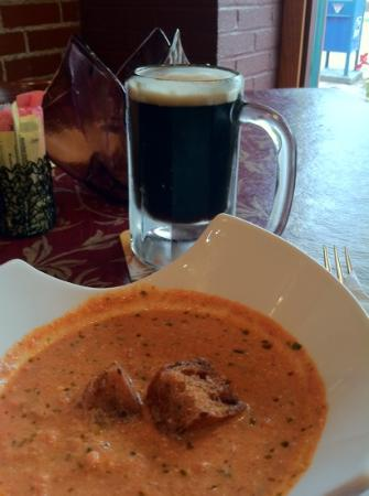 Tari's Cafe: tomato bisque and local oatmeal stout