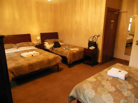 Abbeylodge B&B: Triple Room