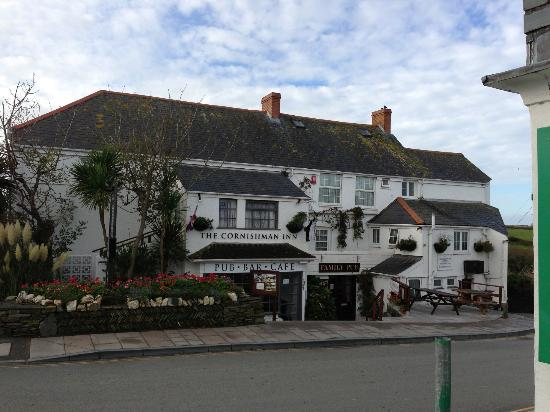 "Cornishman Inn Tintagel: The Cornishman Inn (enter where it says ""Family Pub""!)"