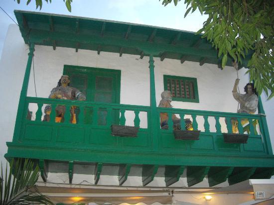 Pueblo Marinero: Balcón curioso