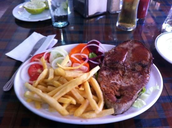 Restaurant Punto Criollo: Atún a la plancha