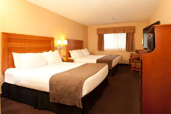 Quality Inn & Suites Hotel: Two Queen