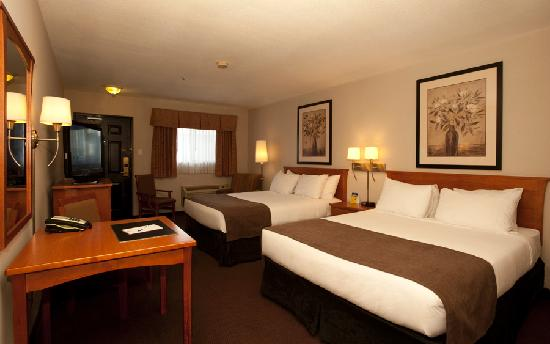 Quality Inn & Suites Hotel: Deluxe Two Queen Suite