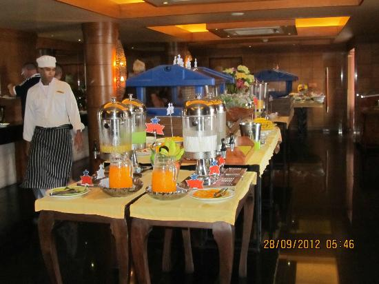 Seaview Patong Hotel: Variety for breakfast