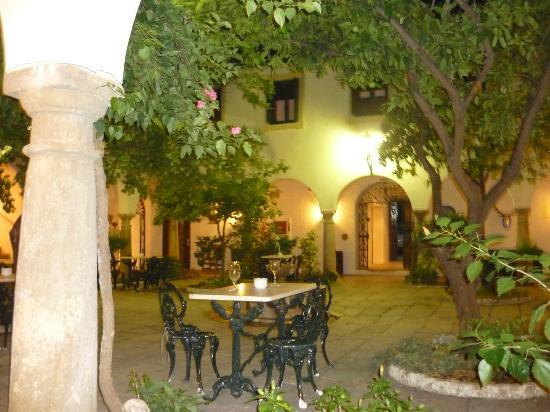 La Almoraima inner courtyard late evening