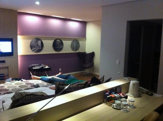 Mercure Sao Paulo Pamplona : quarto espaçoso