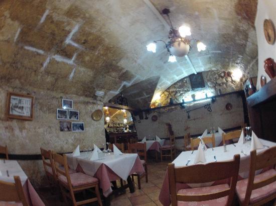 basement restaurant picture of la guitarra ciutadella