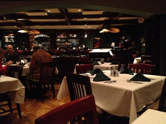 Hemingways Bar and Grill : what a lovely place to dine!