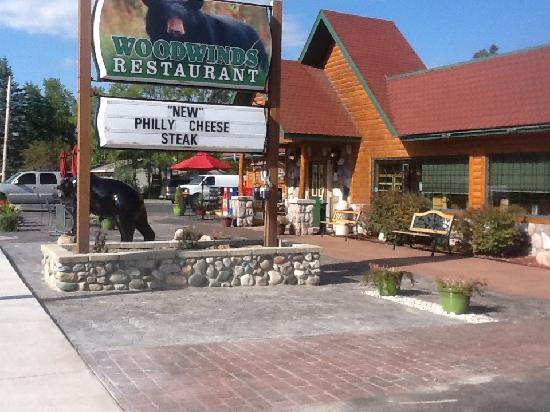 Wood Winds Restaurant & Pizzeria: Woodwinds Restaurant
