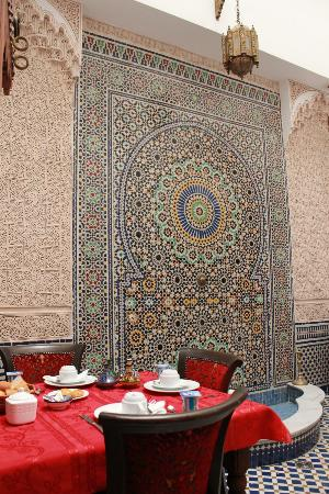 Dar Fes Medina: Courtyard