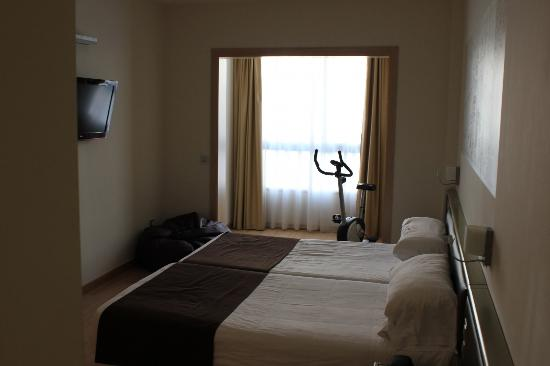 Paradise Park Fun Lifestyle Hotel: Large bedroom