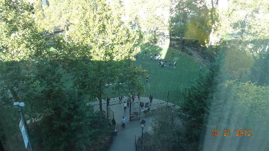 Hotel Mulberry: Vue sur le parc